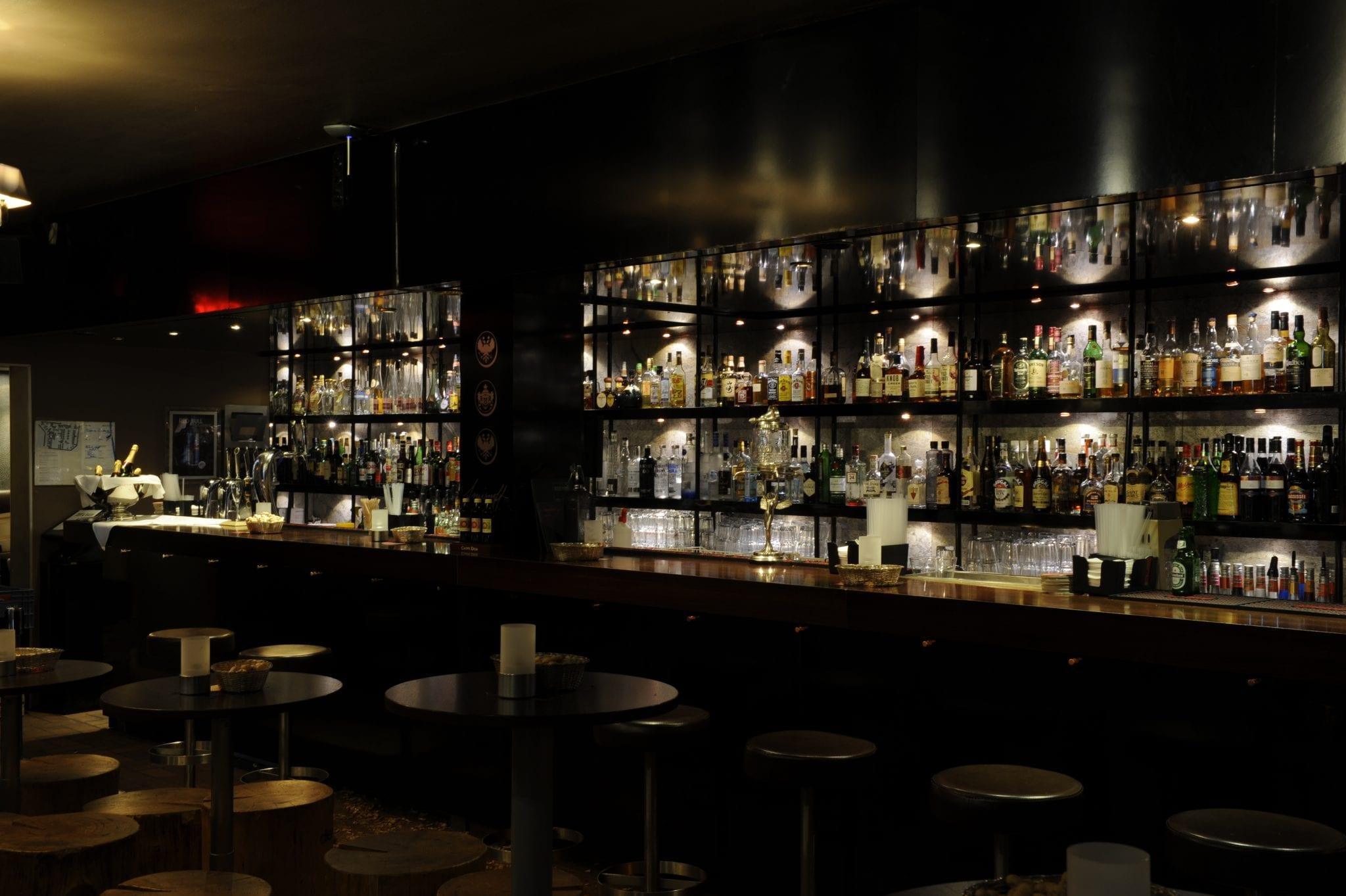 Die Rote Bar, Ein Wohnzimmer Mit Anspruch.