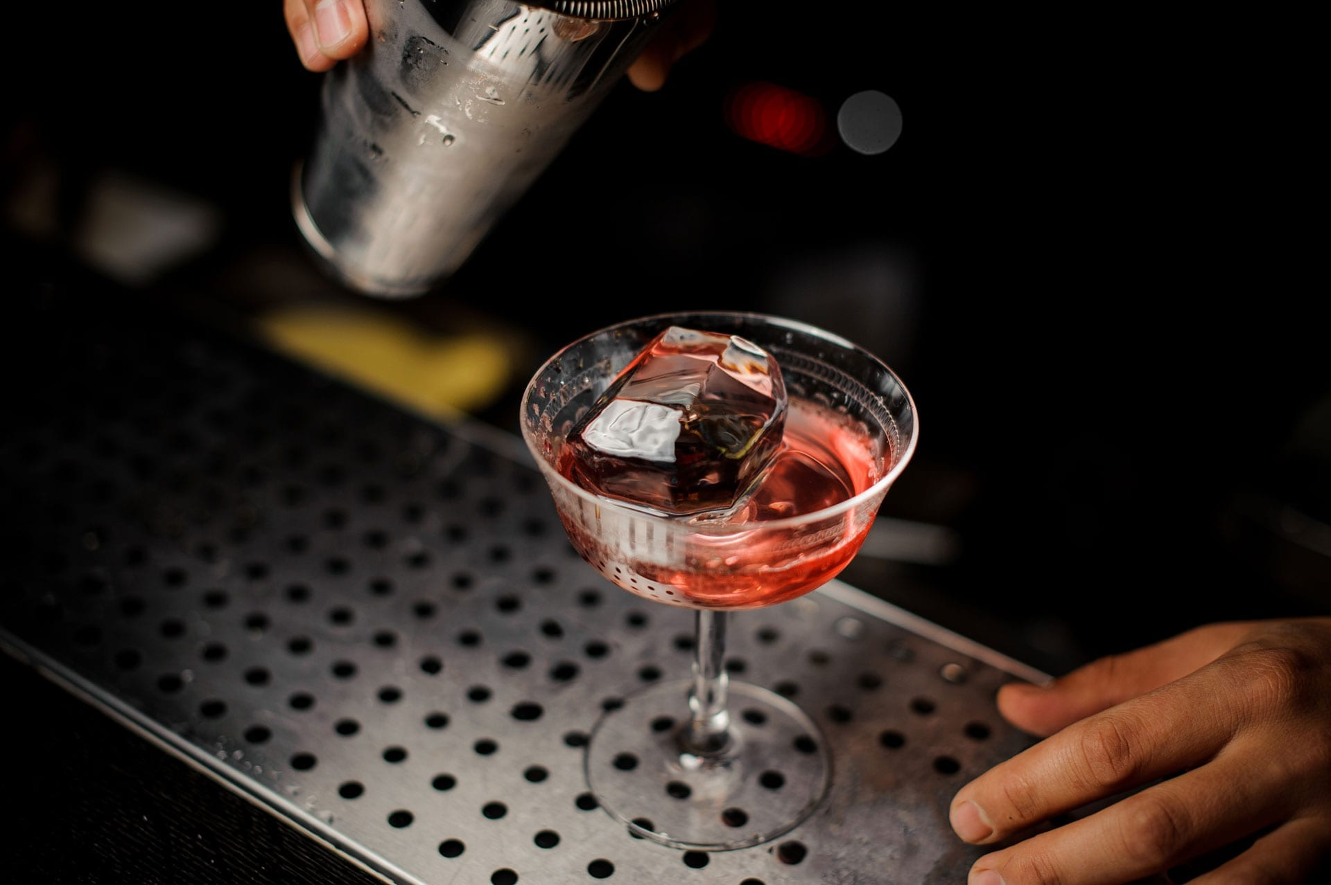 Don't Give Up The Ship Cocktail | Mixology Online | Credit: Shutterstock
