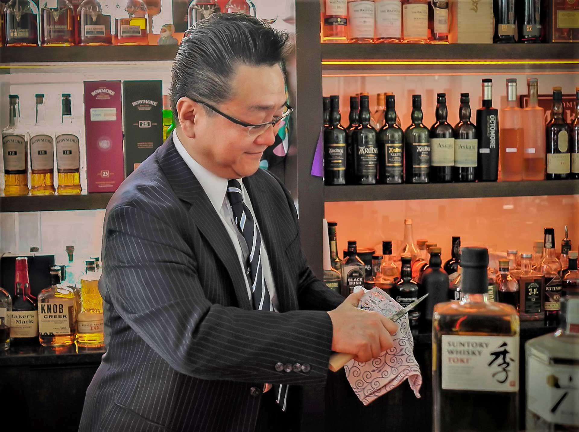 Hidetsugu Ueno Interview über Eis | Mixology — Magazin für Barkultur
