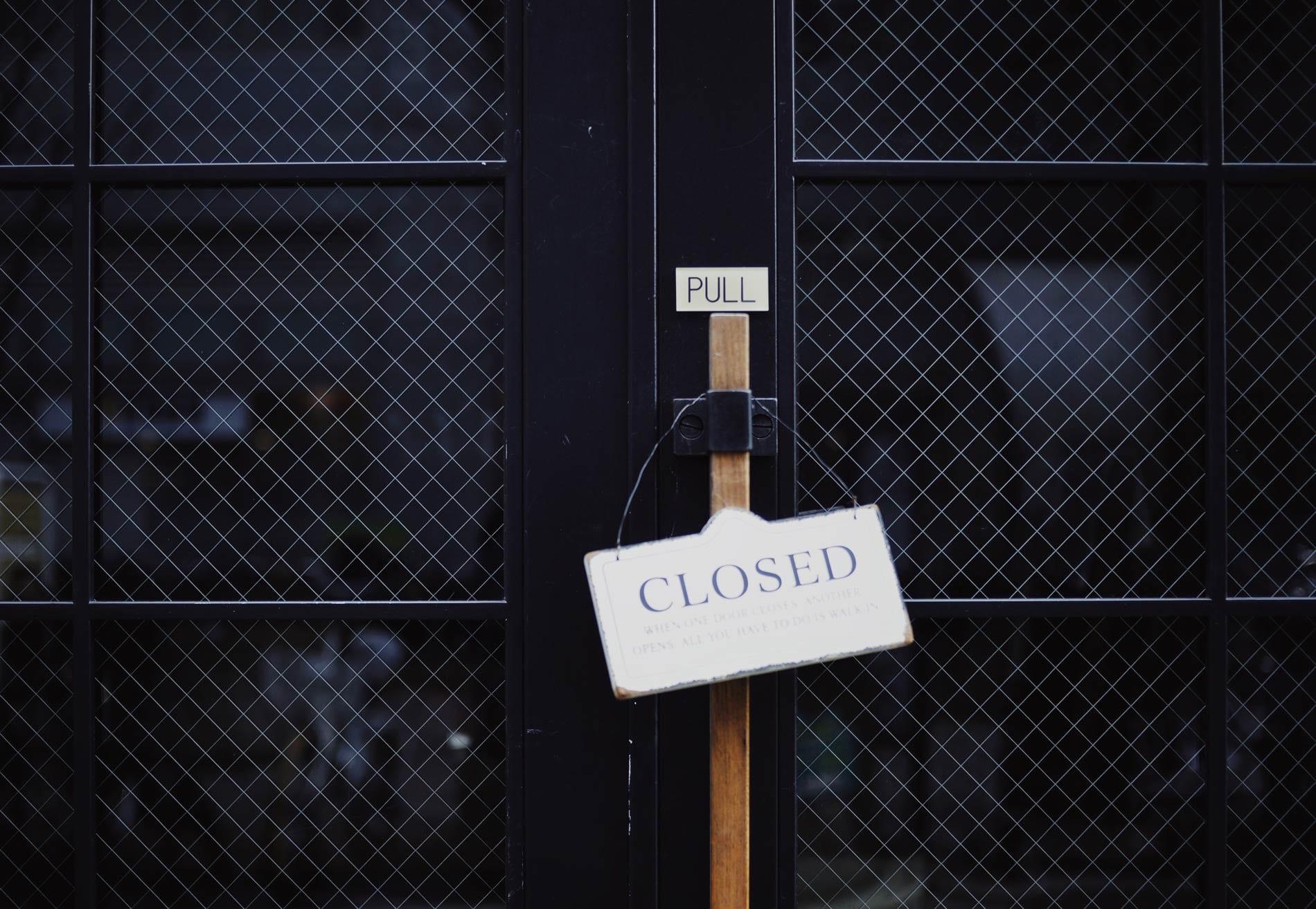 tür 7 samstags geschlossen; bar samstags zu
