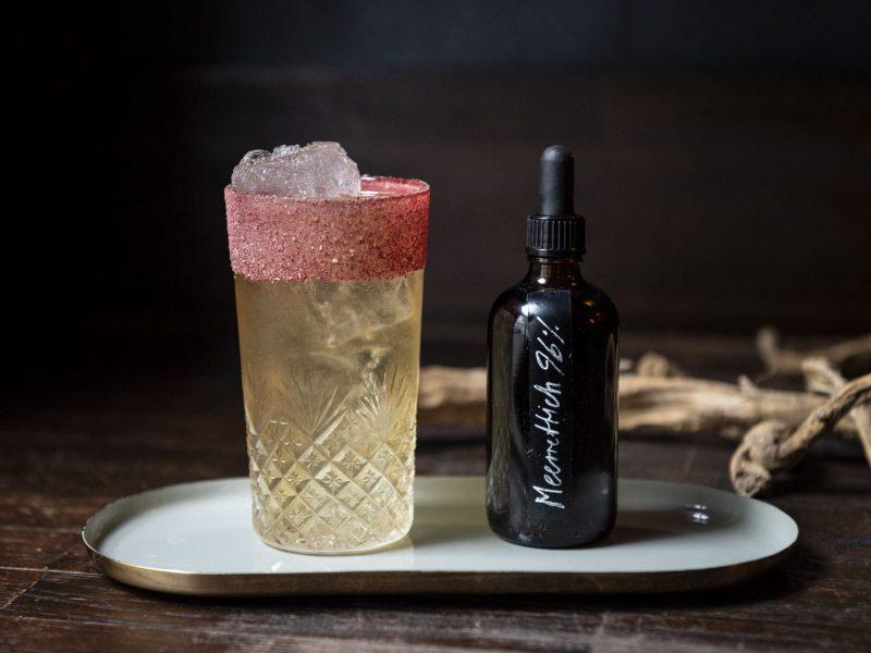 Die Saison im Glas mit Ruben Neideck: Meerrettich im Cocktail