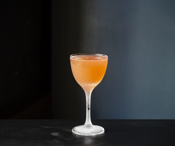 Der Naked & Famous Cocktail